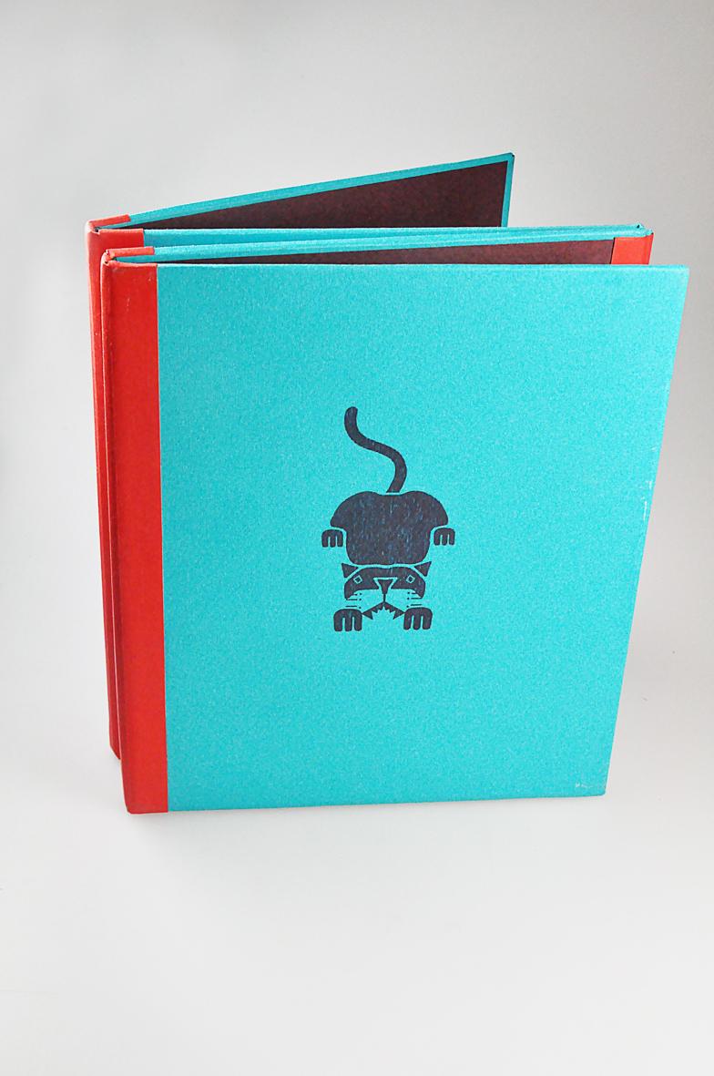 Fanny-Orge-book-depliant-cartonne-logo-dessin-print-volume-1